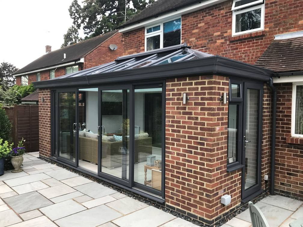 Modern conservatory case studies crendon conservatories for Extension moderne