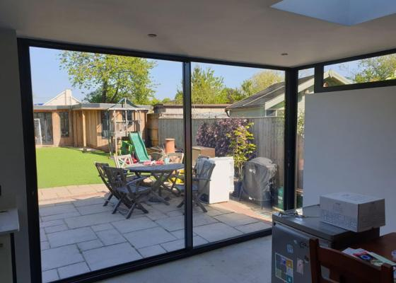 Loggia conservatory with Origin Bi-folding doors in Oxford