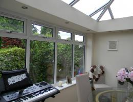 Edwardian Conservatory with Livin Room in Waddesdon, Bucks